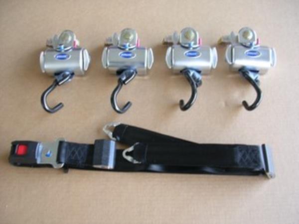 Kit ancoraggi per carrozzina con arrotolatori