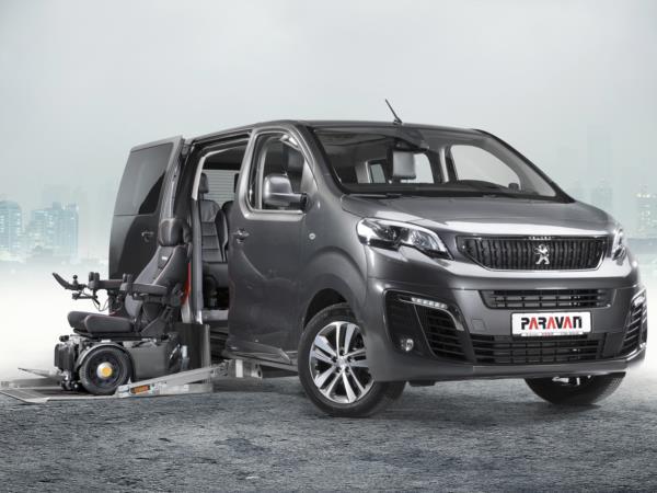Paravan Peugeot Traveller ribassato allestito per trasporto e guida in carrozzina
