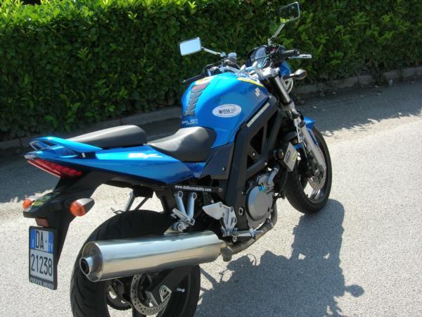 Suzuki SV650 moto multiadattata