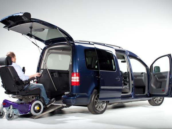 Volkswagen Caddy con pianale ribassato