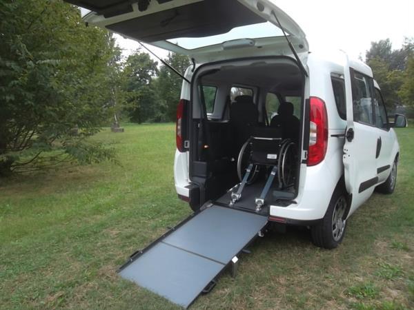 doblo-ribassato-ribassamento-trasporto-carrozzina-disabili-dalbomobility (8)